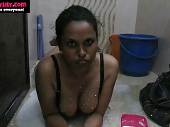 Indian Infant Lily Sexual intercourse Pervert Nearly Shower